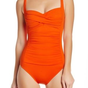 La Blanca Twist Front Ruched One Piece Swimsuit